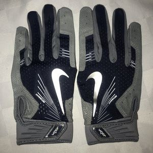 New XL NIKE Hyperfuse Gray Baseball Batting Gloves